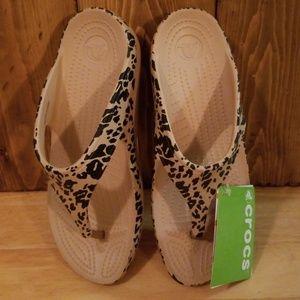 9cf9b10ab CROCS Shoes - CROCS Sloane Sandal in Leopard Print